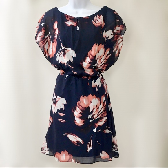 a3c6f8992a0 The Limited Floral Chiffon Tie-Back Midi Dress. M 5c61842fa5d7c6814f309d16